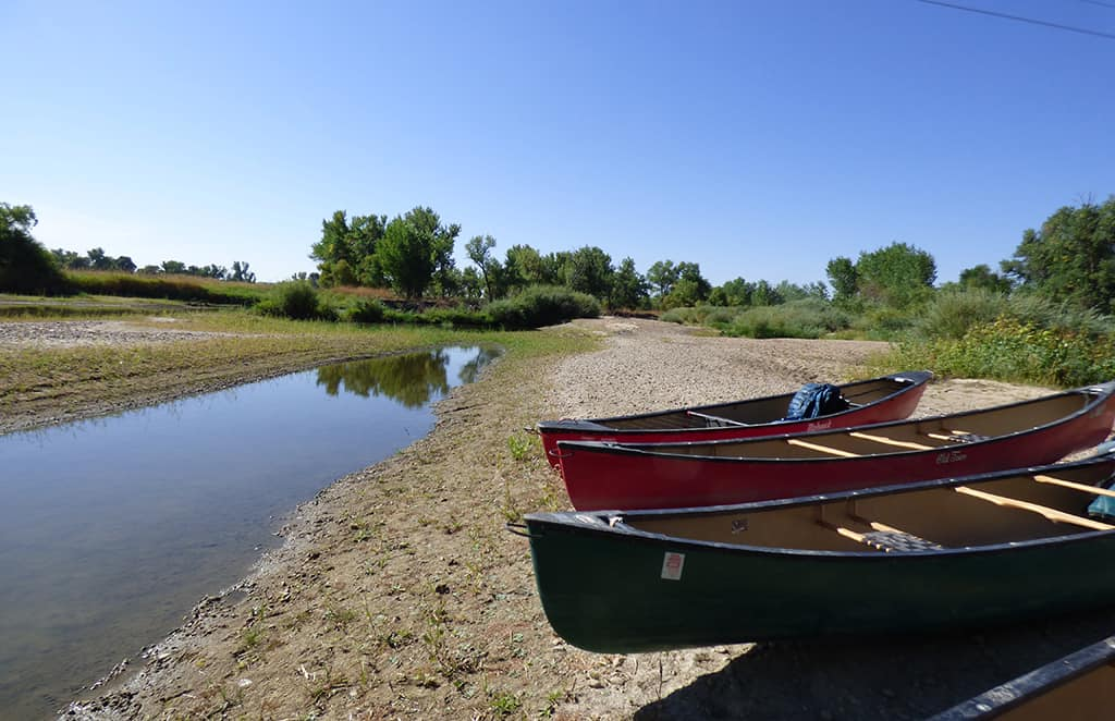 canoes_st_vrain_river
